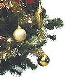 金色の丸い飾り